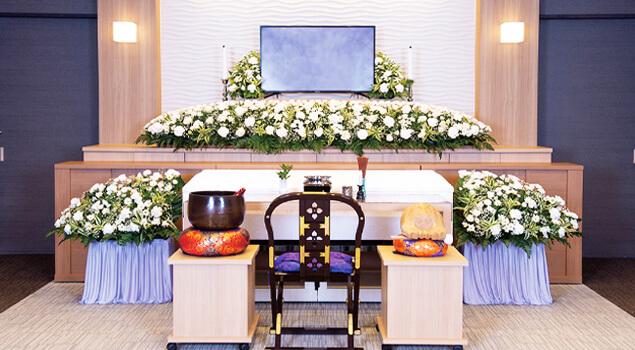 家族葬のらくおう・セレモニーハウス家族葬100プラン祭壇