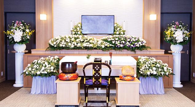家族葬のらくおう・セレモニーハウス家族葬120プラン祭壇