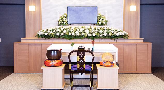 家族葬のらくおう・セレモニーハウス家族葬80プラン祭壇
