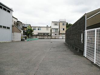 伏見桃山ホール駐車場