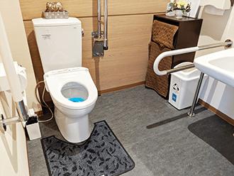大津御殿浜ホールトイレ