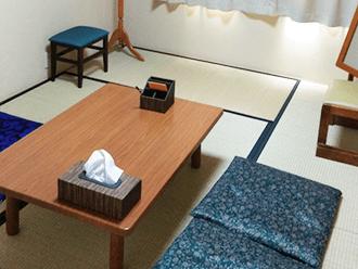 亀岡駅前ホール住職控え室