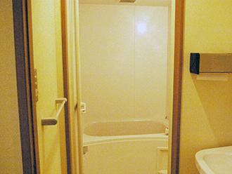 久世メモリアルホール浴室