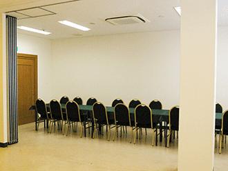 久世メモリアルホール食事室