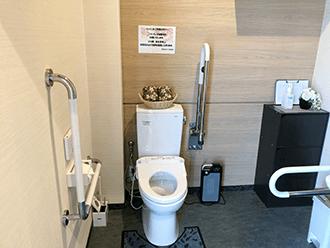 草津やばせ中央ホールバリアフリートイレ