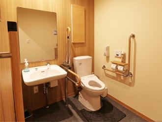 洛王西京極ホール バリアフリー用トイレ